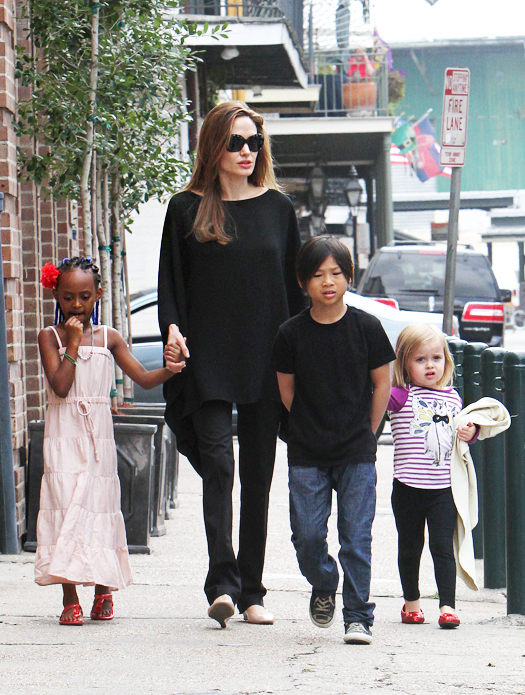"March 11, 2012: Angelina Jolie takes her children Pax, Zahara and Vivienne to Verdi Marte in the French Quarter for snacks while in town for Brad Pitt's ""Make It Right"" charity gala in New Orleans, Louisiana. Mandatory Credit: INFphoto.com   Ref.: infusno-05"