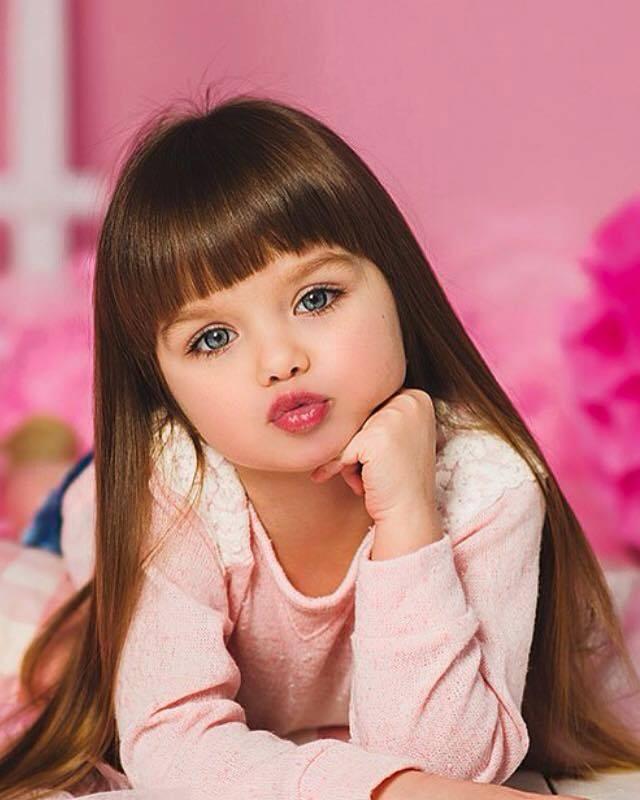 8 фотографий невероятно красивой девочки