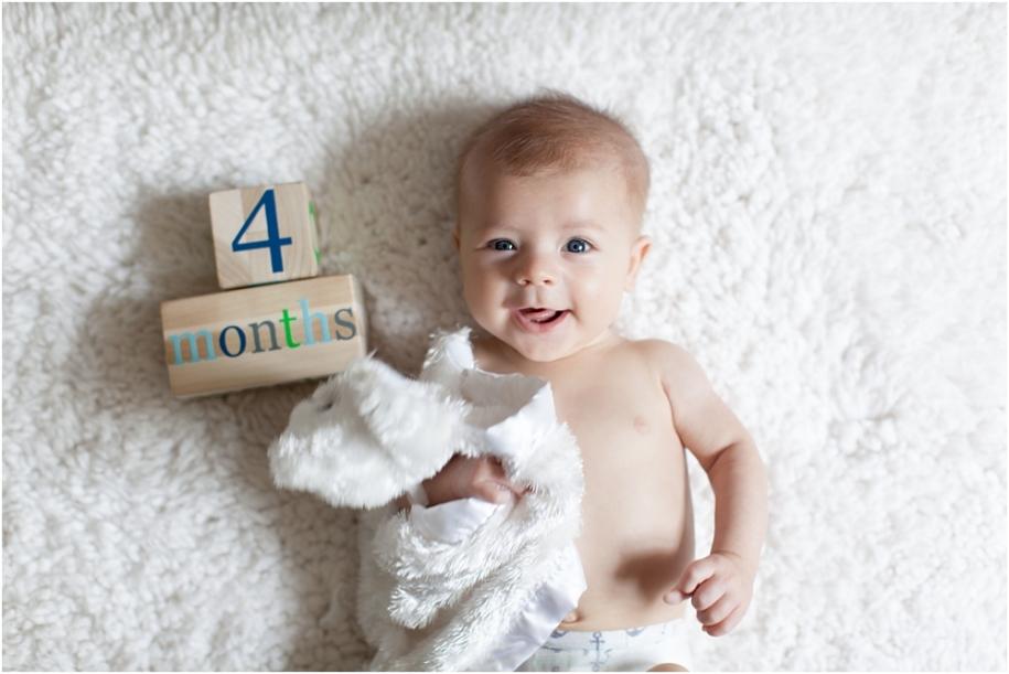 Как развивается малыш: от 1 до 12 месяцев жизни