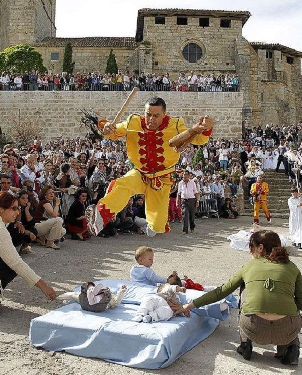 Как знакомятся испанцы традиции