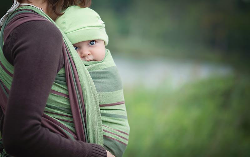 Младенец на руках: стоит ли приучать?