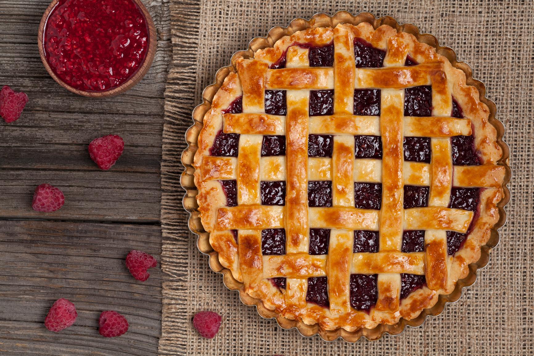 Дрожжевой пирог с малиновым вареньем рецепт