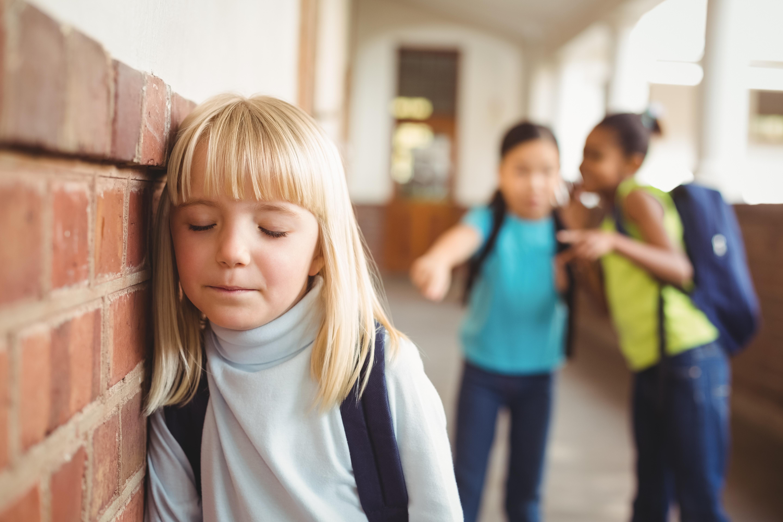 Не учит, а калечит: 16 глобальных минусов современной школы