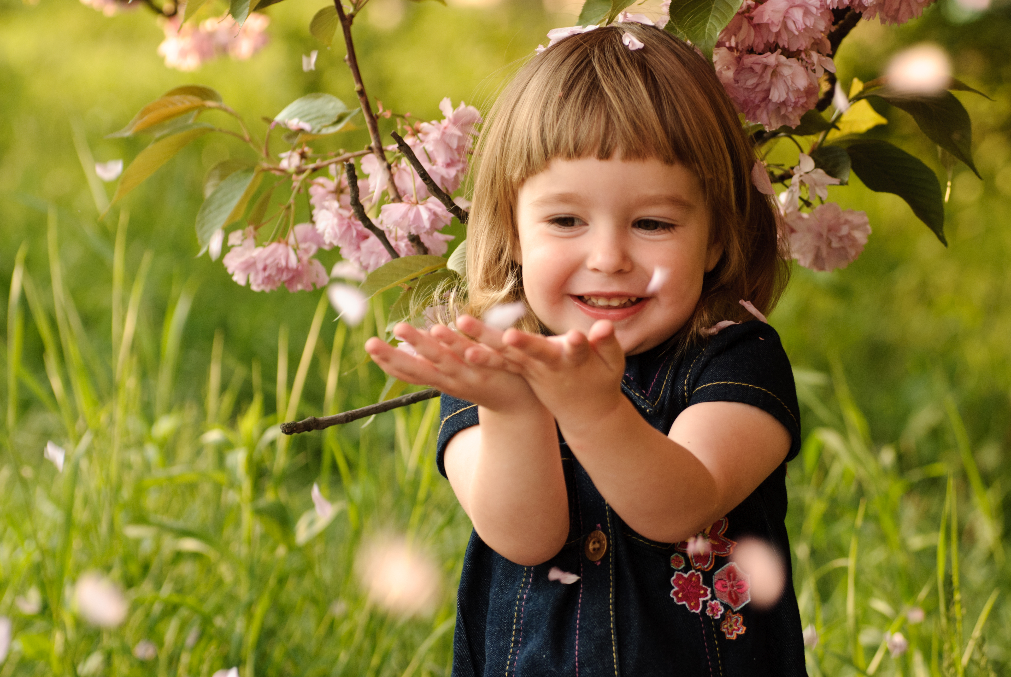 Как вырастить счастливого ребенка?