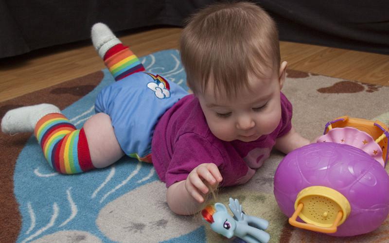 Почему подгузники вредны для психики ребенка?