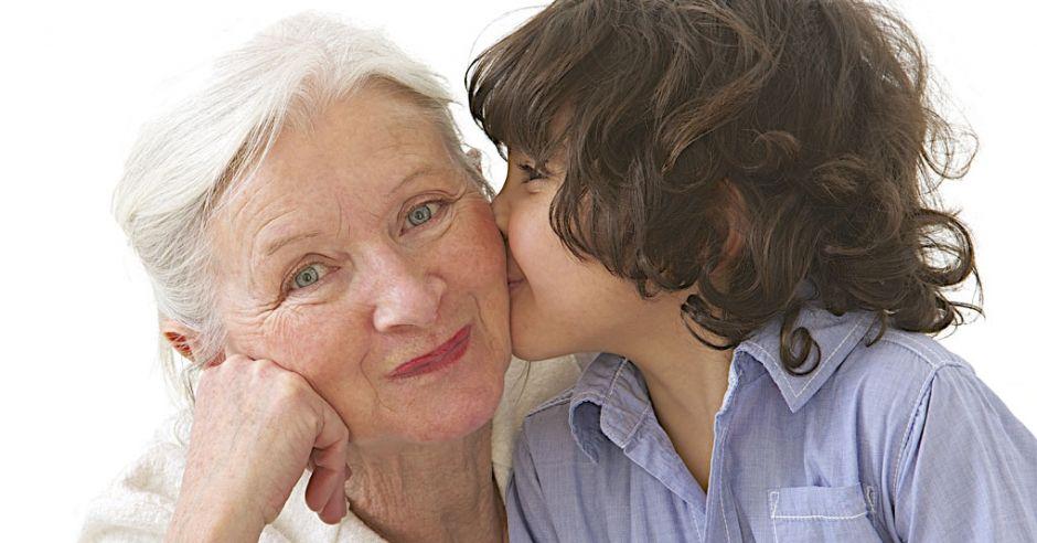 Как стать хорошей бабушкой: 10 фраз, которые попадают под Табу