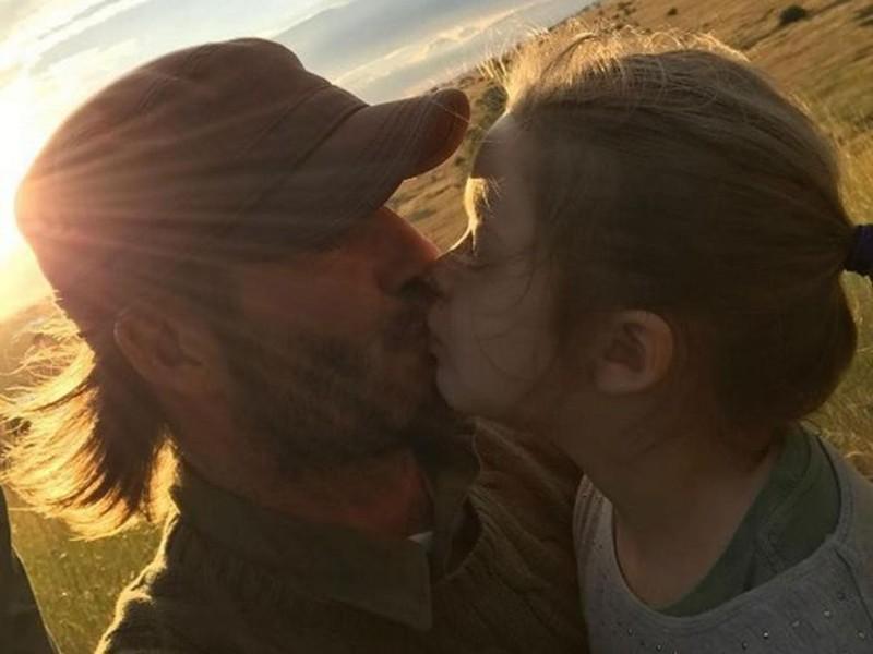 Дэвид и Харпер Бекхэм Семейные фото, дочери, звезды, знаменитости, неловкий момент, отцы и дети, папы, фото