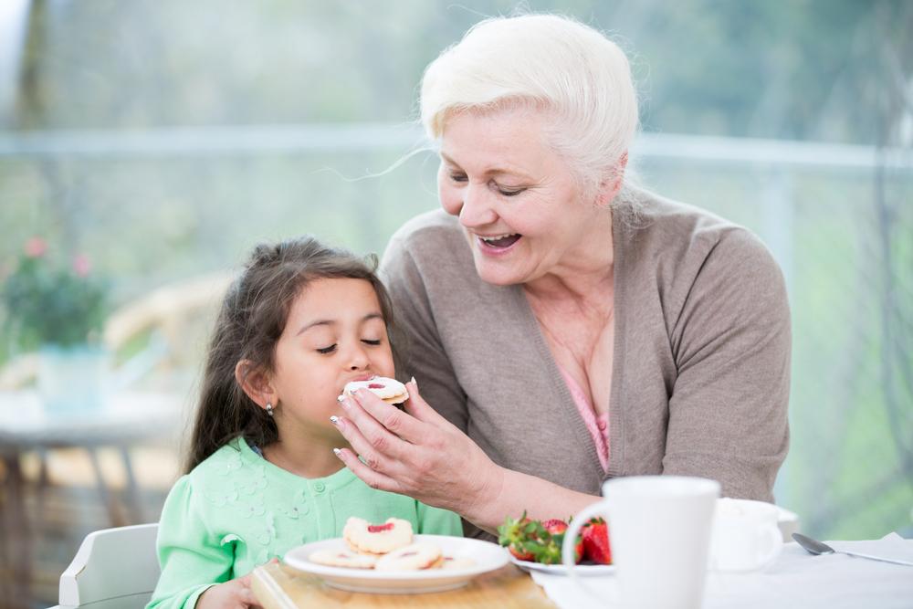 существует как кормить бабулю а она не ест белье термобелье должно