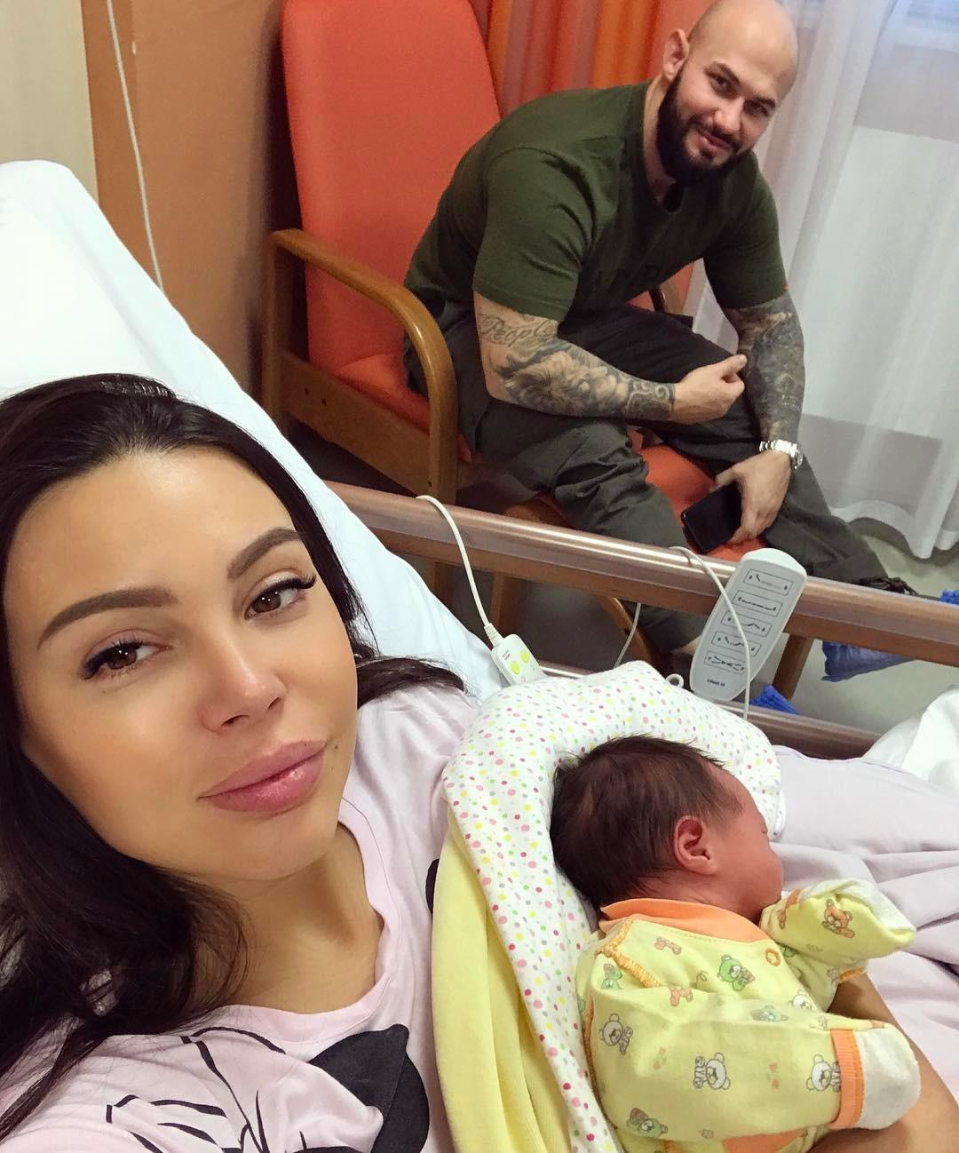 http://st-sh-2.woman.ru/images/gallery/6/3/g_63beefa5db5d72e8c207e149e8d34a7b.jpg