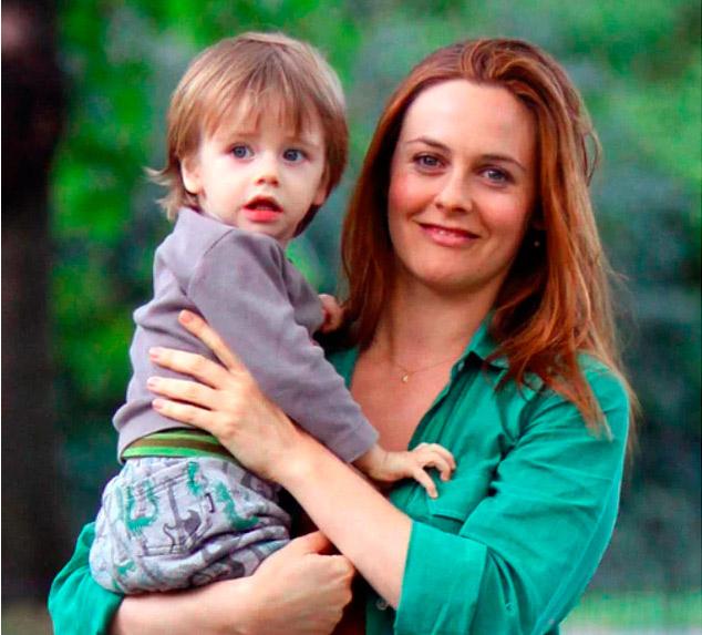 Звездный тренд: 10 мам, которые съели свою плаценту