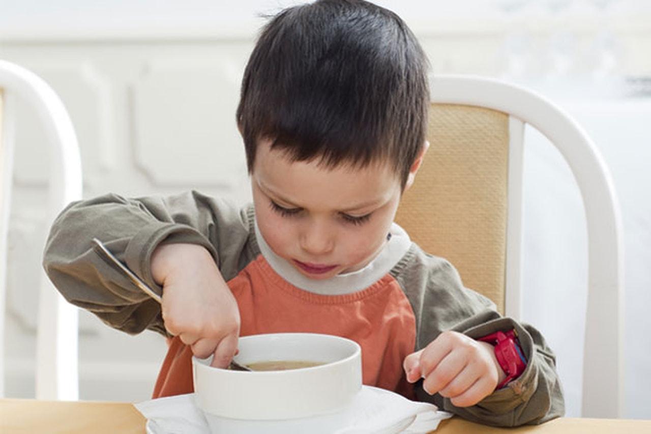 На скорую руку: 7 вкусных супчиков для нехочух
