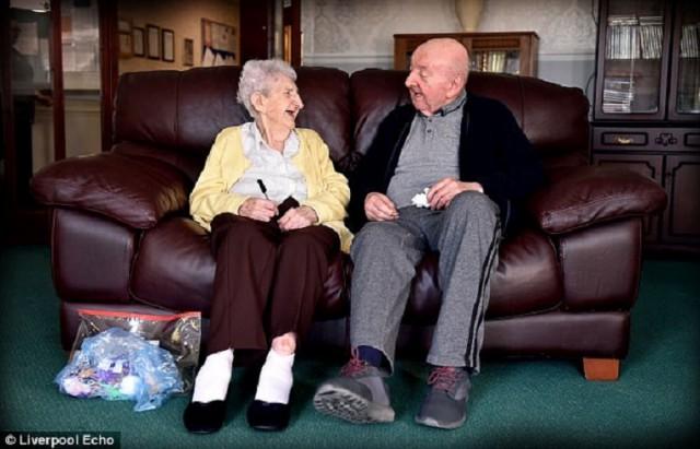 Мама – это навсегда: она переехала к 80-летнему сыну, чтобы ухаживать