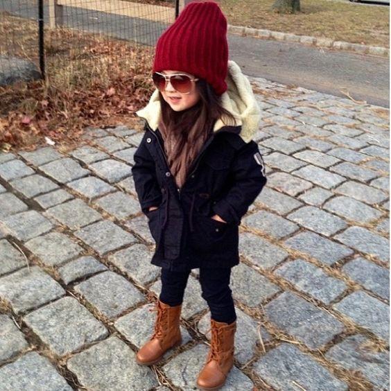 Пора утепляться: 25 стильных образов для девочек