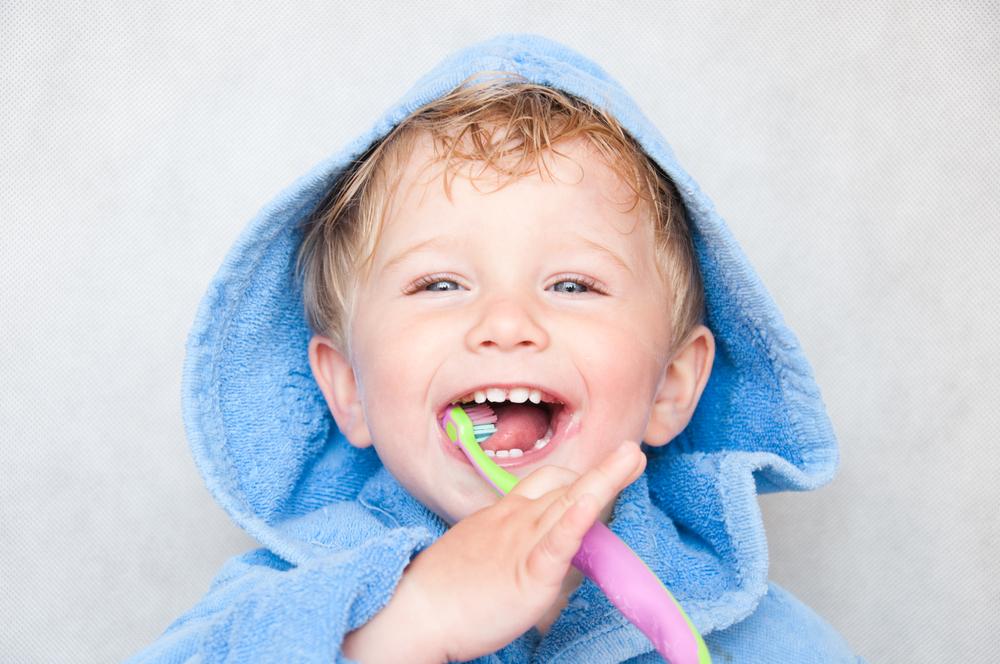 В помощь маме: 8 хитрых приемов, как приучить чистить зубы