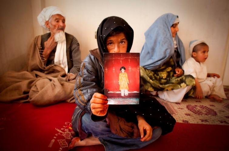 Замуж в 5 лет: 12 недетских историй о замужестве в странах Азии