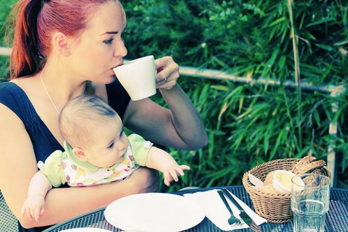 Это табу: 10 вещей, которых нельзя делать при маме новорожденного