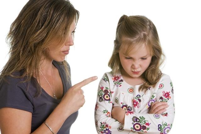 Фразы-паразиты в словаре мамы: 6 выражений, которые не стоит говорить