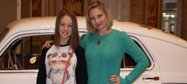 http://www.livestory.com.ua/images/katya-starshova-s-mamoy-1-768x345.jpg