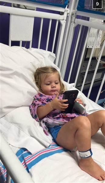 Уже 1 год: 3-хлетняя малышка празднует победу над раком