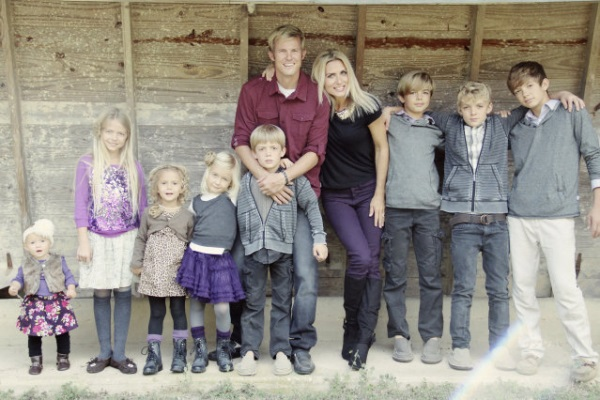 Мама-героиня: мать 8 детей выглядит, как модель и имеет свой бизнес