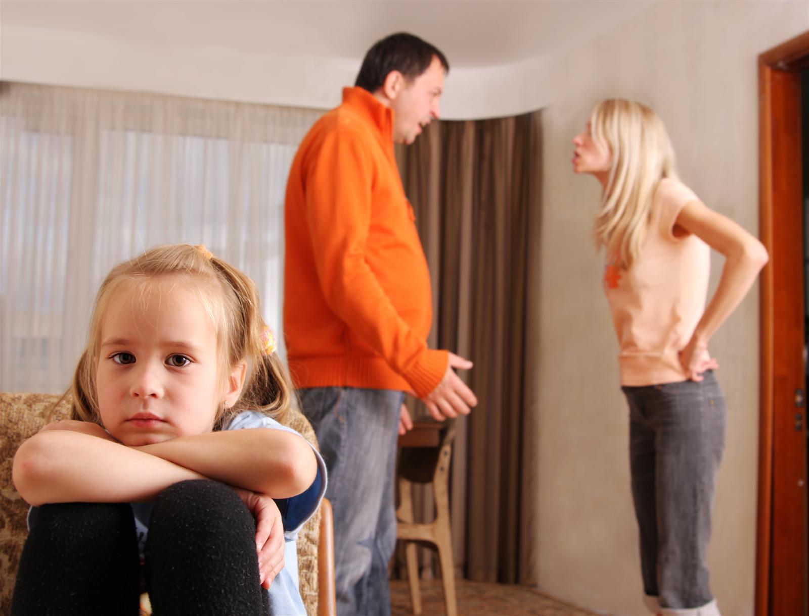 Почему нельзя воспитывать детей без отца: 4 страшных последствия