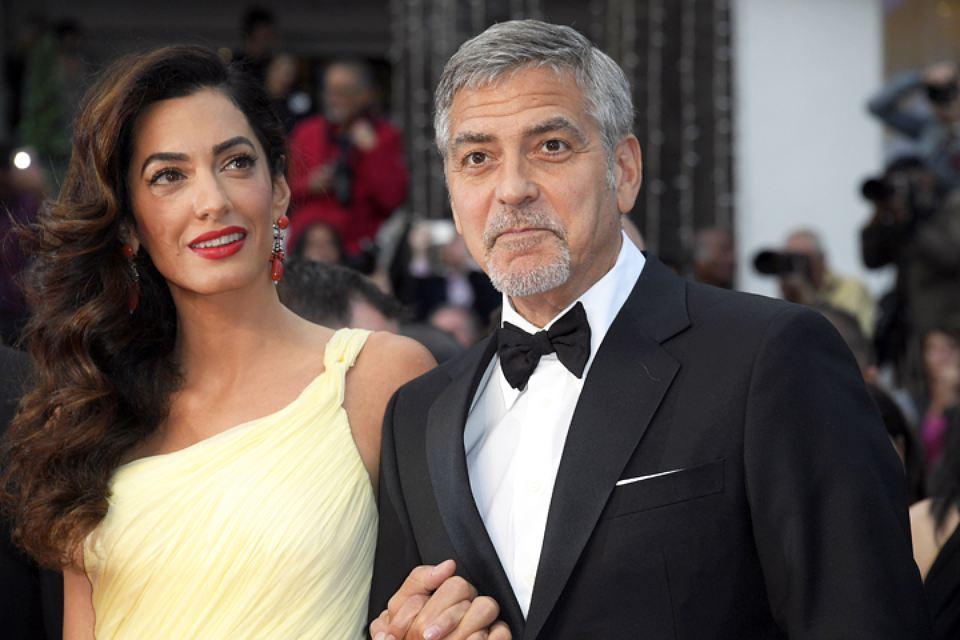 Звезда в панике: Амаль Клуни не может похудеть после родов
