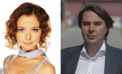 Уже не скрыть: Елена Захарова появилась по публике с животиком