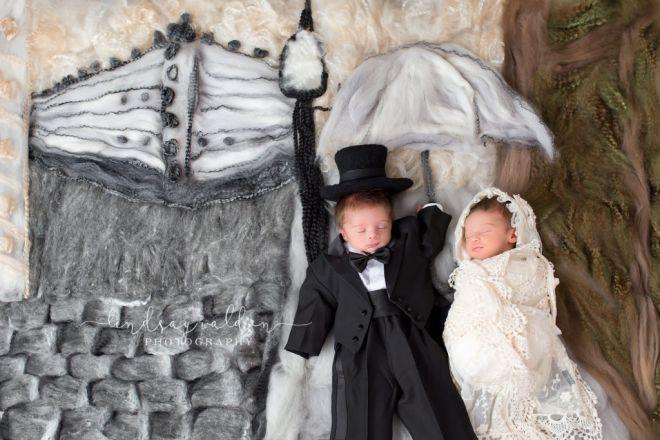 Младенцы на шедеврах живописи: 12 безумно милых фото от Lindsay Walden