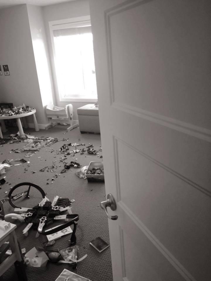 «Я просто закрыла дверь»: мама-блогер больше не убирает игрушки за детьми