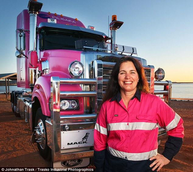 Все ради детей: женщина из Австралии 7 лет жила на колесах