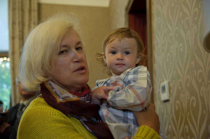 Я - обычная мама: телеведущая-инвалид откровенно о родах и материнстве