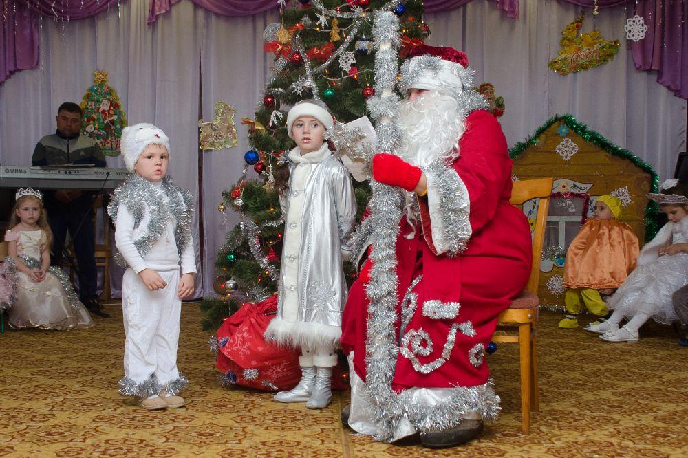 Почему дети боятся Деда Мороза: 5 реальных причин