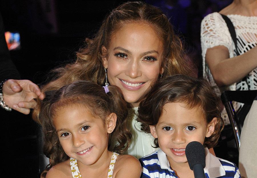 Карьера до небес и большая семья: ТОП-9 самых успешных мам мира