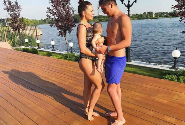 Привет, Гектор: Анна Седокова наконец-то показала фото сына