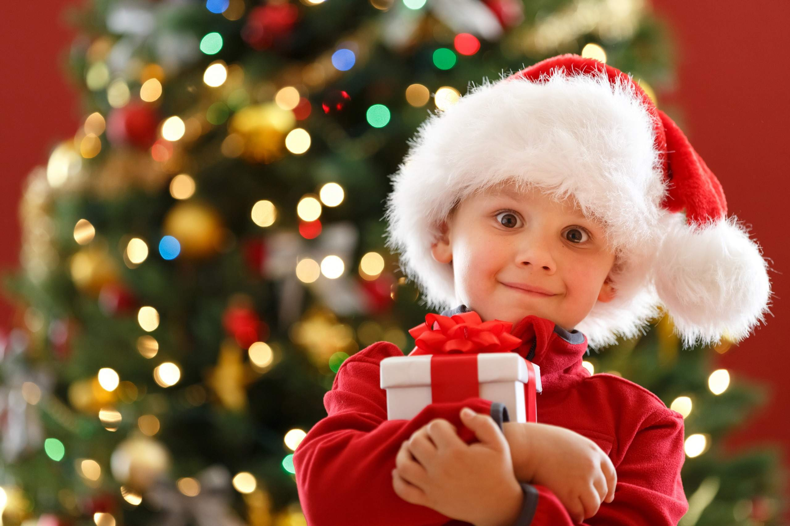 Что подарить ребенку на Новый год: 5 золотых правил