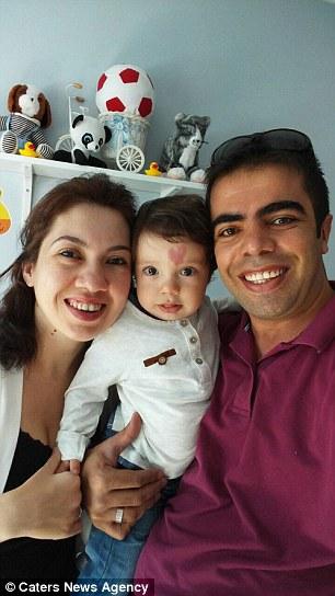 Мальчик с сердечком на лбу: у пары из Турции родился уникальный ребенок