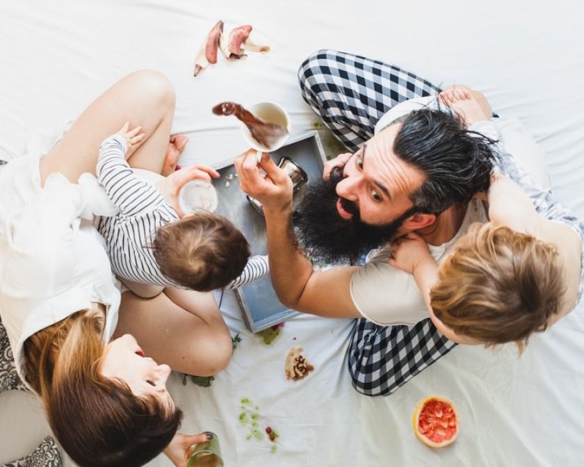 Если у вас дети: 13 фото, как выглядит завтрак в постель - на самом деле