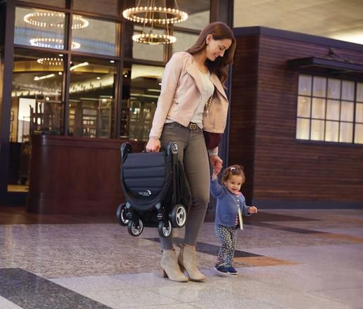 Что подарить беременной: 10 вещей, которые точно понравятся