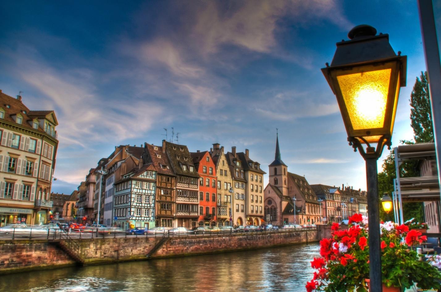 Вдохновленные Парижем: ТОП-17 лучших французских имен для детей