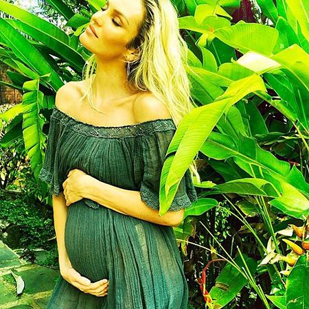 Официально: Ангел Victoria's Secret Кэндис Свейнпол - беременна