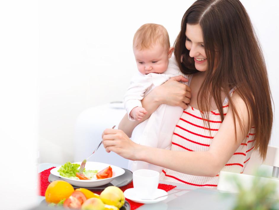 Как выспаться молодой маме: 6 полезных советов