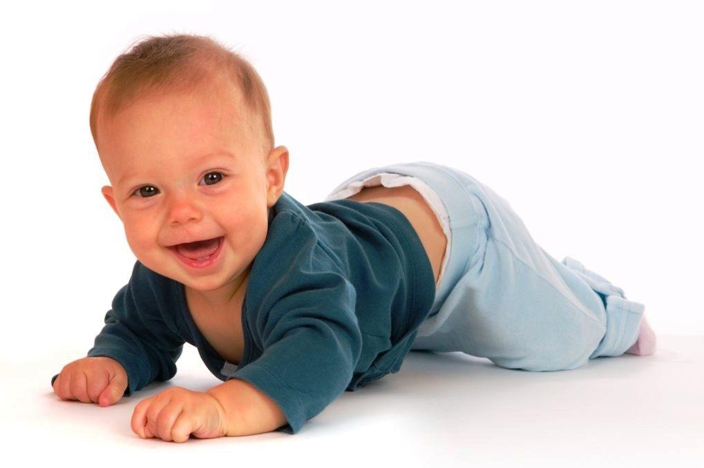 Развитие ребенка в 6 месяцев: 5 мифов, в которые верят многие мамы