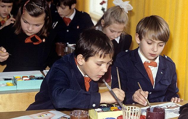 Об этом часто забывают: 6 минусов школ в СССР