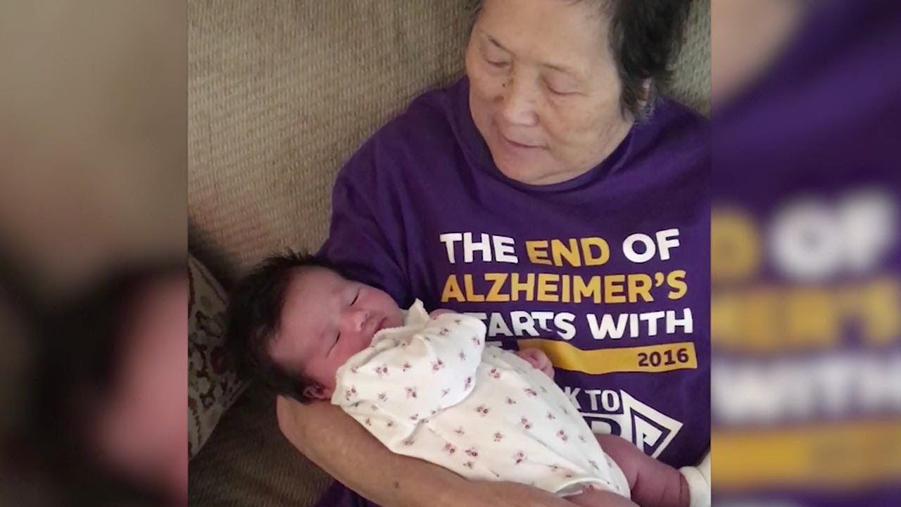 Как в первый раз: из-за Альцгеймера она знакомится с внучкой снова и снова