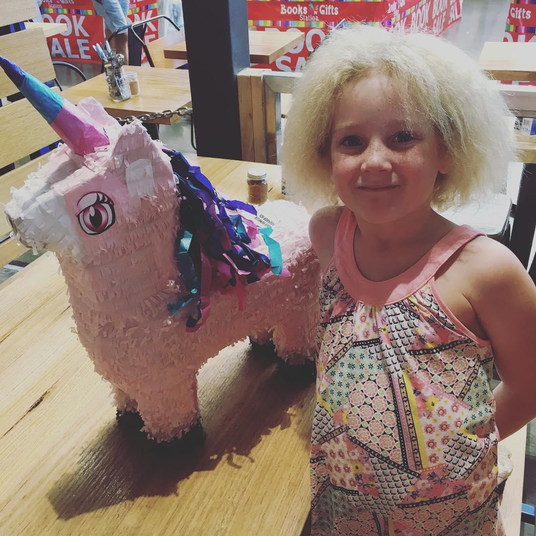 Синдром непослушных волос: девочка из Австралии покорила Instagram