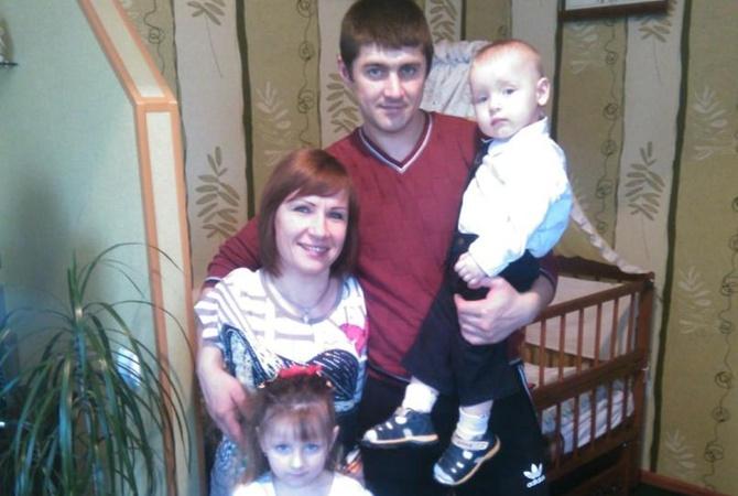 Герой нашего времени: 35-летняя женщина без рук воспитывает 2-х детей