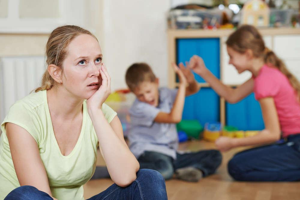 Опасно: 10 фраз, которые нельзя говорить уставшим мамам