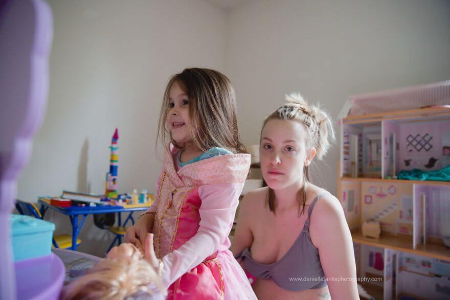 Что такое послеродовая депрессия: ответ мамы в 2-х фото из жизни