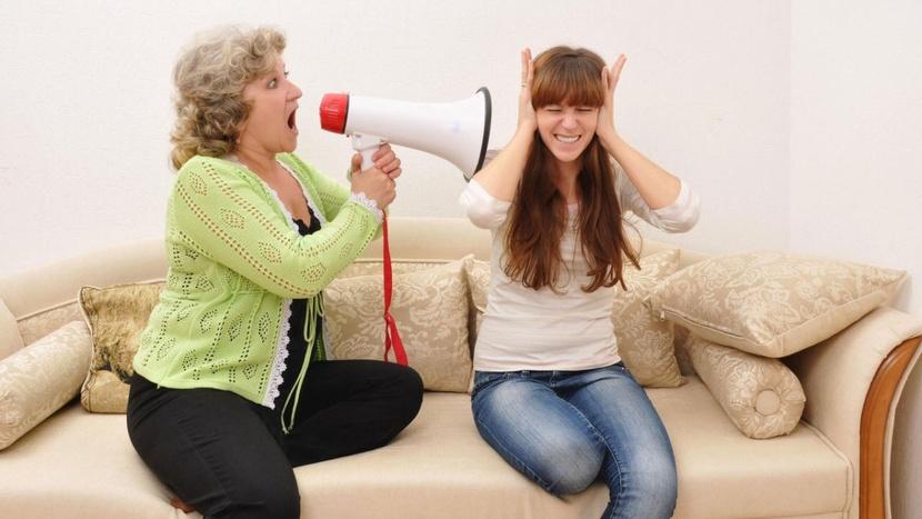 Бабушка в шоке: 15 принципов молодых мам, которые раздражают их мам