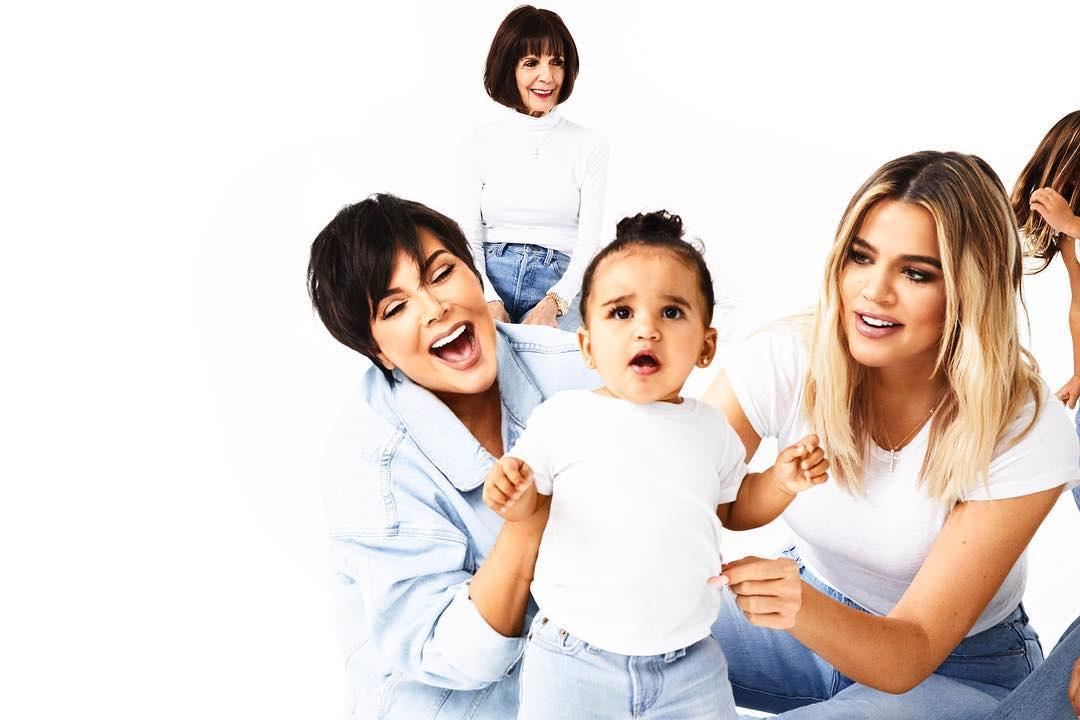 Рождественские Кардашьяны: Ким опубликовала новые семейные фото